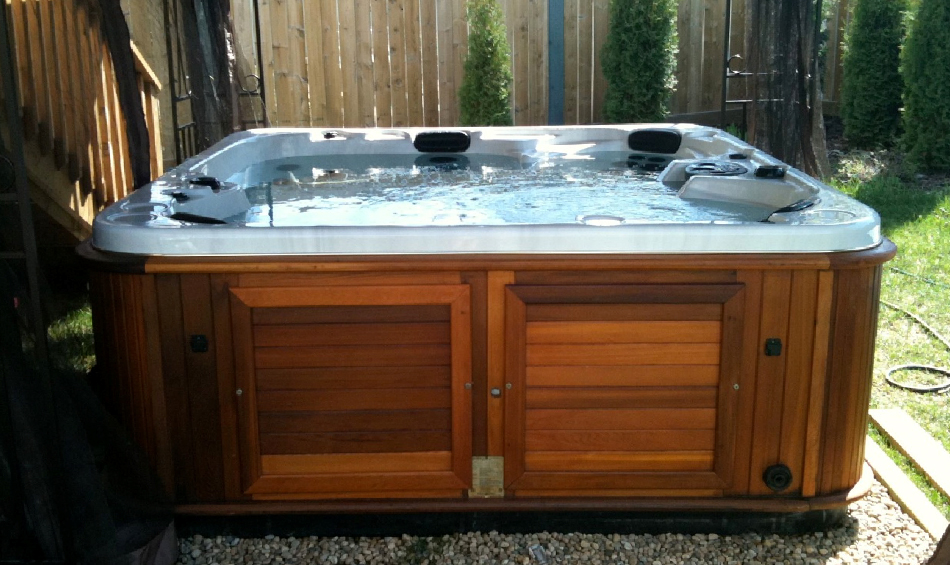 How to Properly Clean and maintain Your Hot Tub - Best Pool Service ...